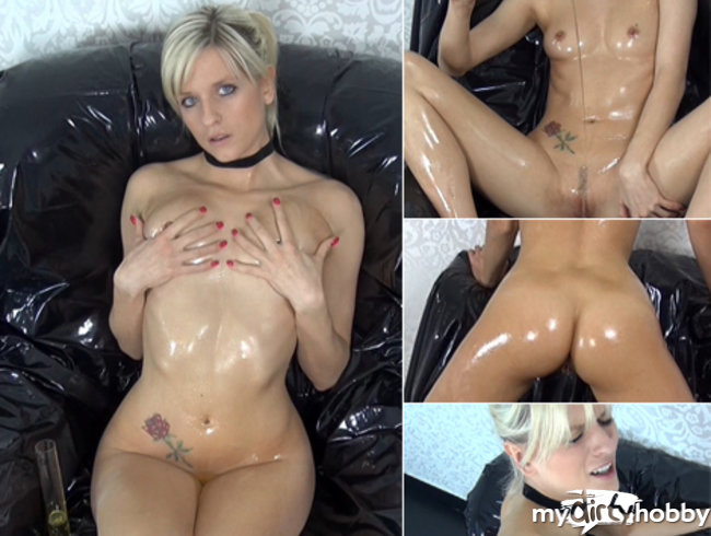Anal in perverse chair! Oil Shower vs. Cum Lotion!