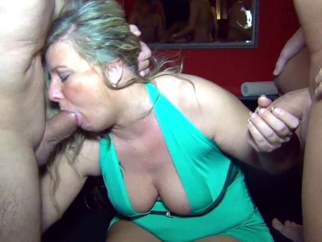 Bang my wife! Extremer Sperma und Pisse GangBang! Teil 1